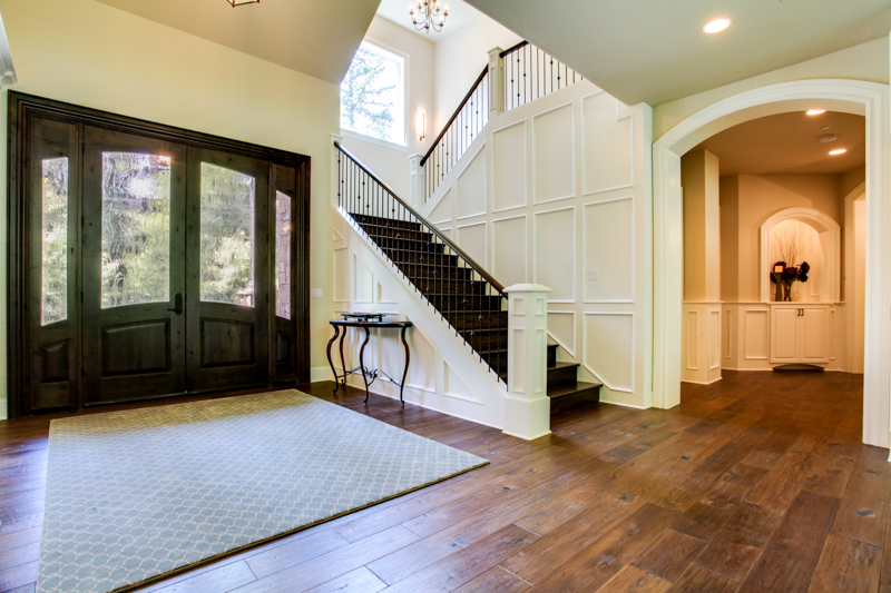 Entryway_14050 Goodall Rd_121_lowres