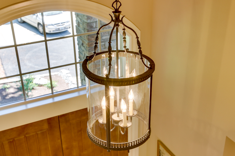 Entryway_Light_Main_12830 Alto Park Rd_055_lowres