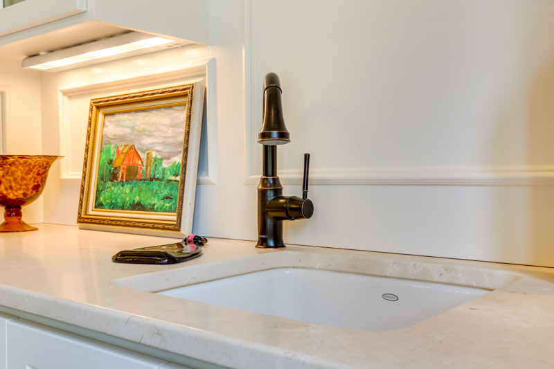 Formal_Dining_Rm_Sink_Main_14050 Goodall Rd_139_lowres