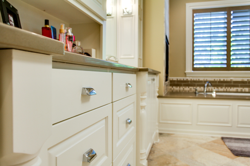Master_Suite_Bath_Counter_Main_14050 Goodall Rd_035_lowres