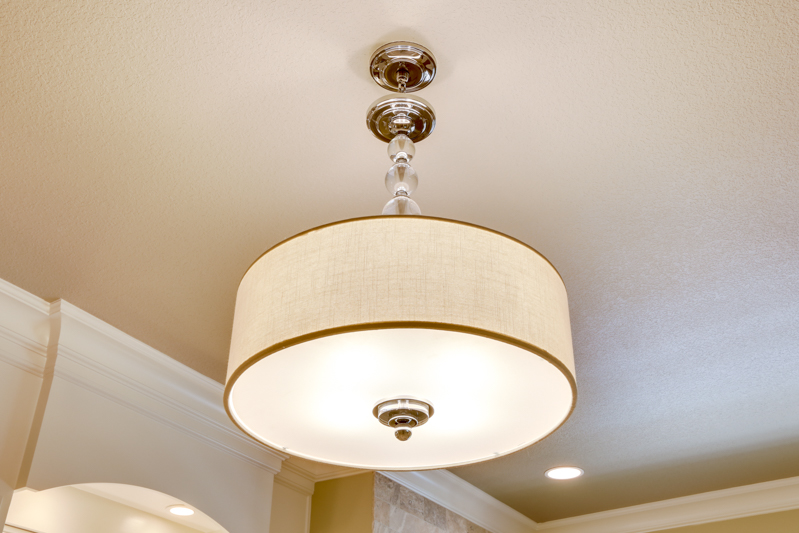 Master_Suite_Bath_Light_Main_14050 Goodall Rd_106_lowres