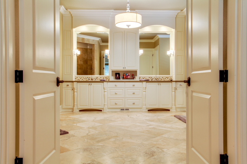 Master_Suite_Bath_Main_14050 Goodall Rd_017_lowres