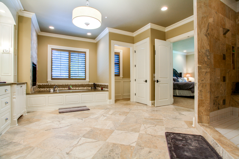 Master_Suite_Bath_Main_14050 Goodall Rd_024_lowres