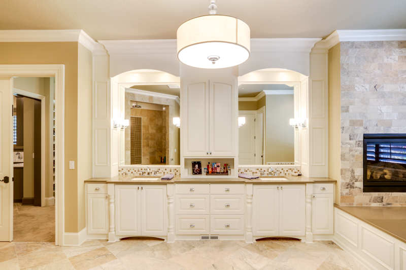 Master_Suite_Bath_Main_14050 Goodall Rd_105_lowres