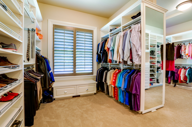 Master_Suite_Closet_Main_14050 Goodall Rd_095_lowres