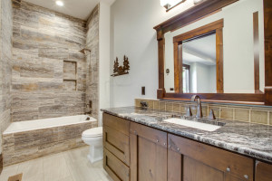 guestsuite2nd_bath_18010-s-ramsby-rd_112_webres