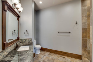 guestsuite_main_bath_18010-s-ramsby-rd_109_webres