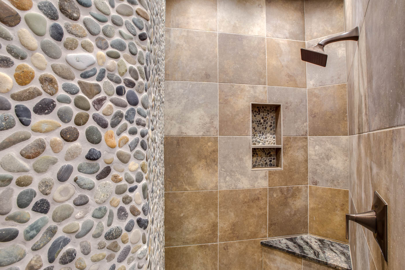 guestsuite_main_bath_shower_18010-s-ramsby-rd_107_webres