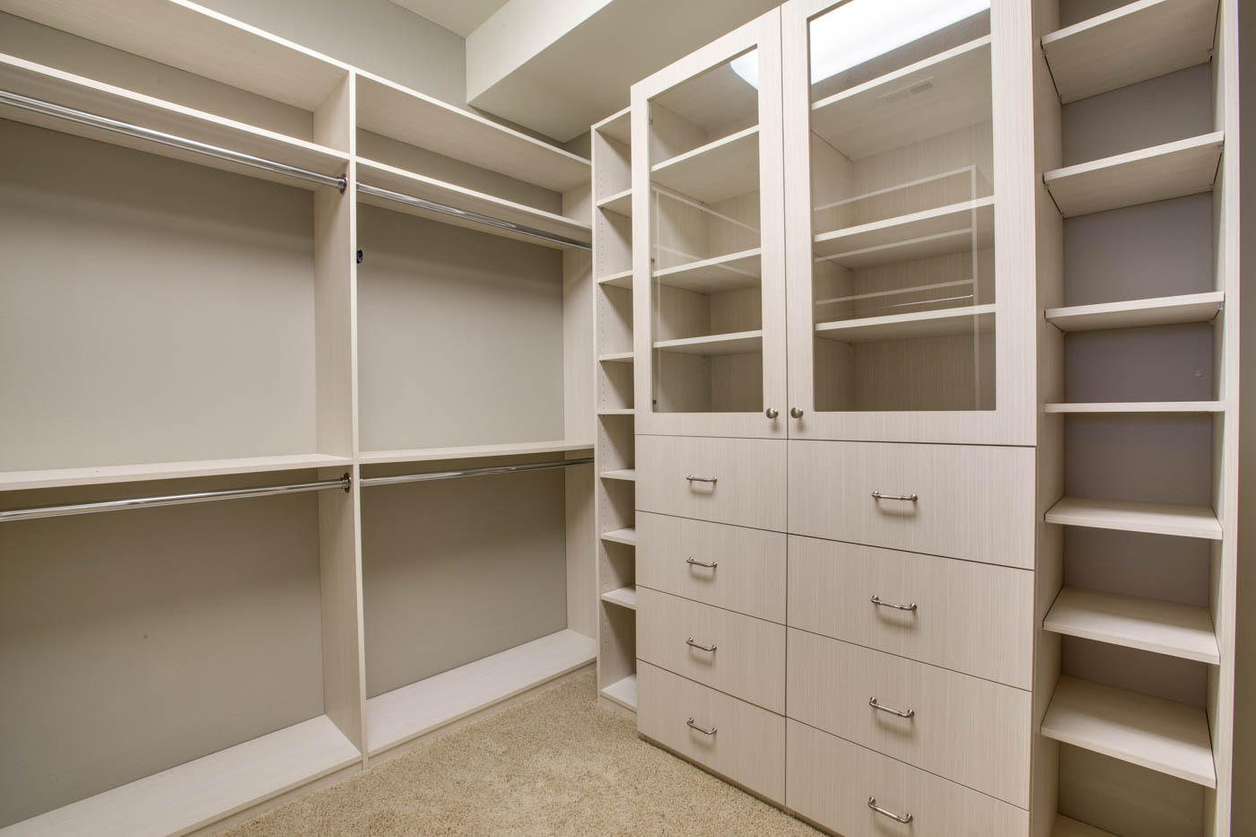lwr_suite2_bath_closet_17447-s-outlook-rd_076_webres