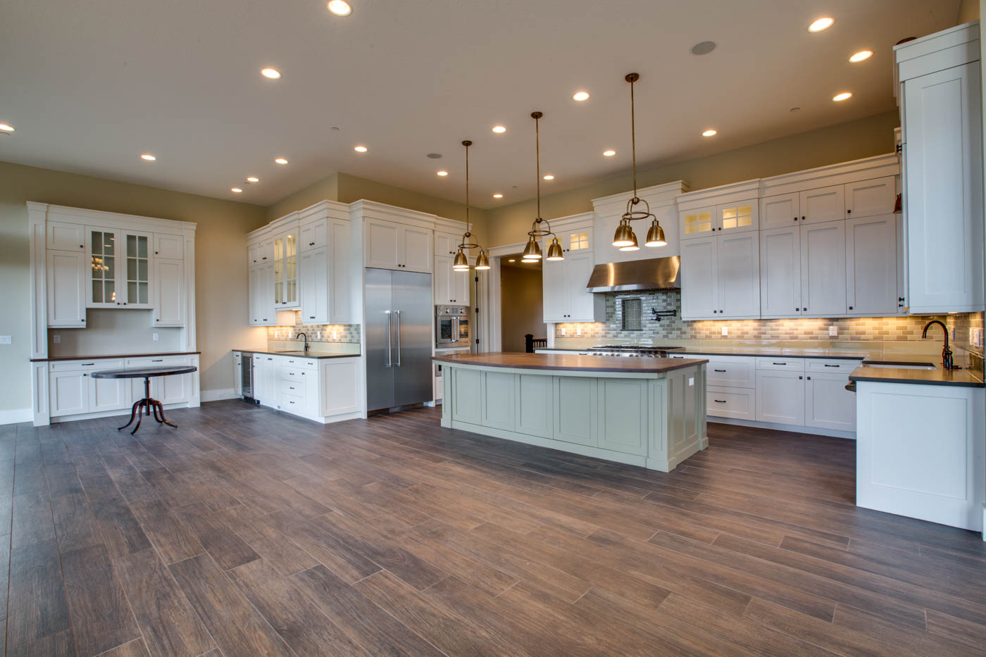main_kitchen_17447-s-outlook-rd_036_webres