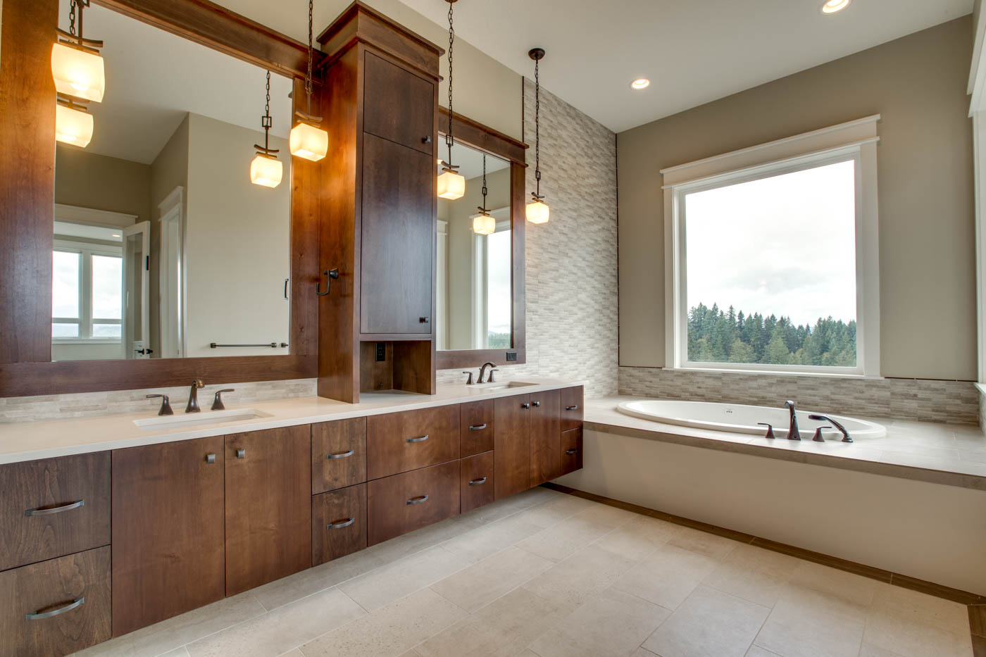 main_master_bath_17447-s-outlook-rd_017_webres