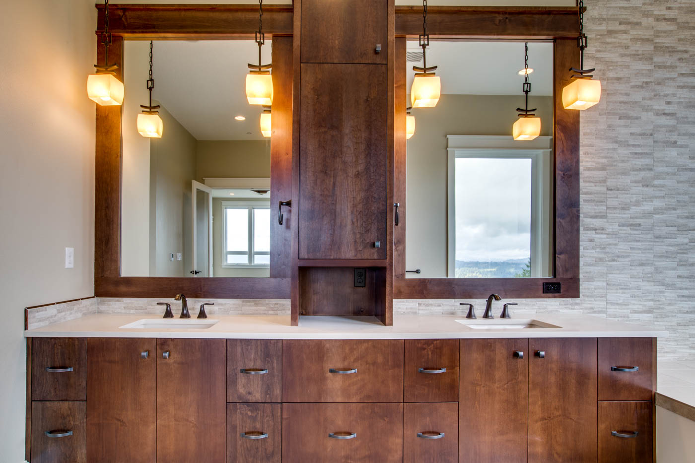 main_master_bath_17447-s-outlook-rd_018_webres