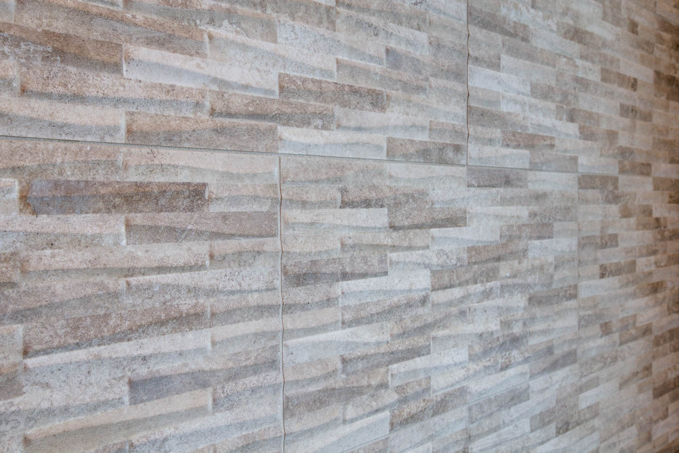 main_master_bath_backsplash_17447-s-outlook-rd_021_webres