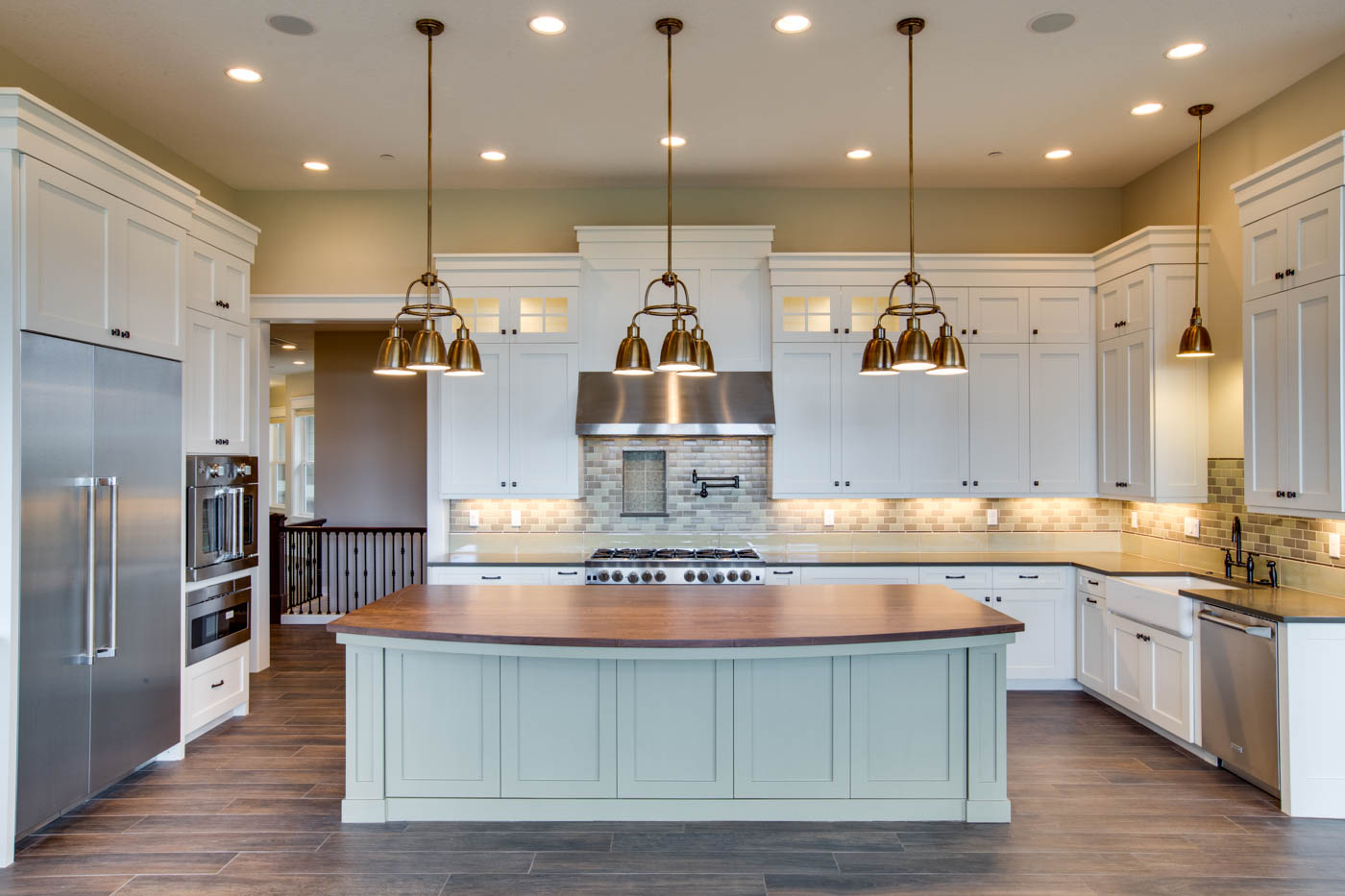 main_kitchen_17447-s-outlook-rd_043_webres