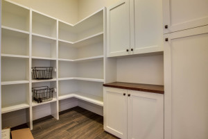 main_kitchen_pantry_17447-s-outlook-rd_047_webres