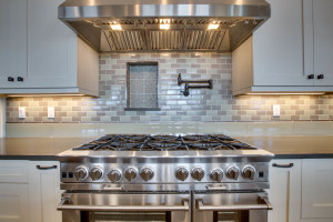 main_kitchen_stove_17447-s-outlook-rd_048_webres
