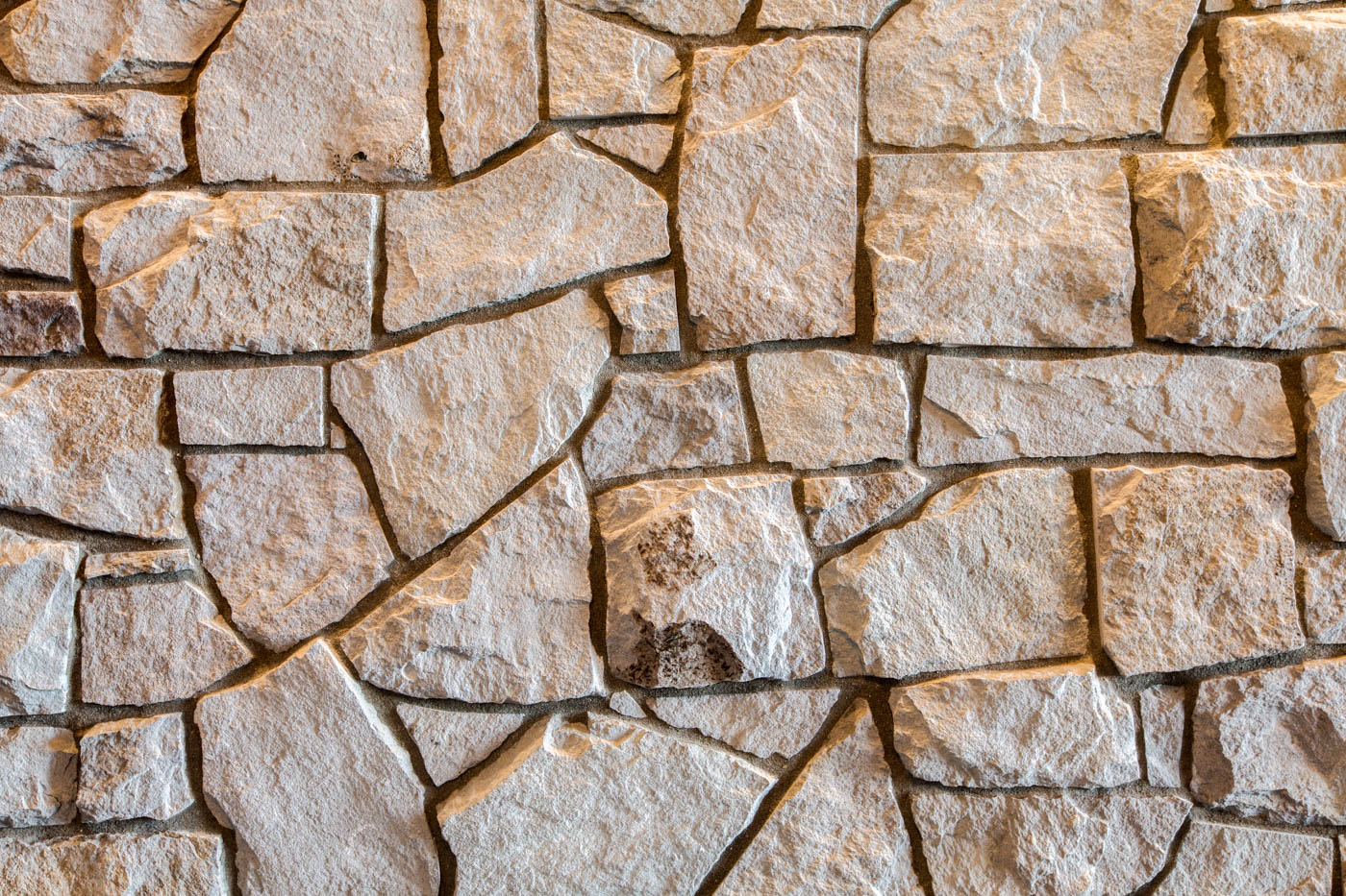 entrance_rock-wall_18010-s-ramsby-rd_058_webres