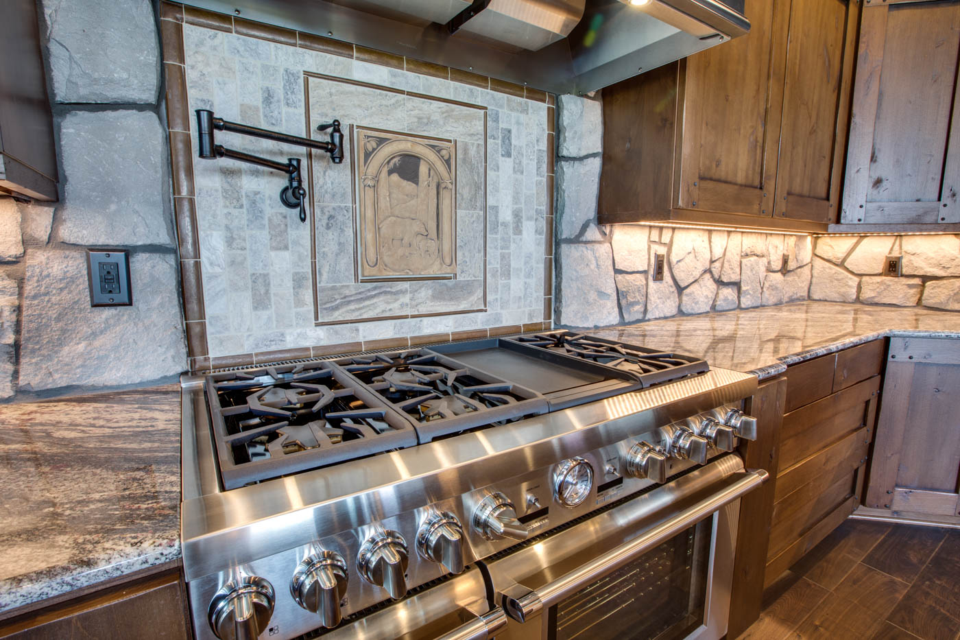 kitchen_stove_18010-s-ramsby-rd_084_webres