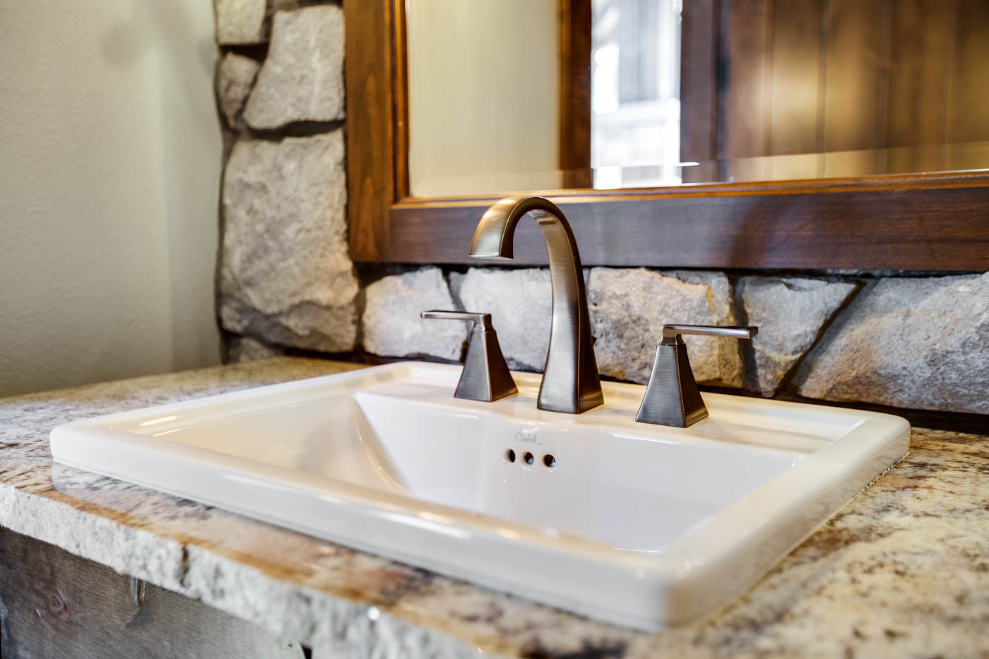 right-wing_bath-1_sink_18010-s-ramsby-rd_007_webres