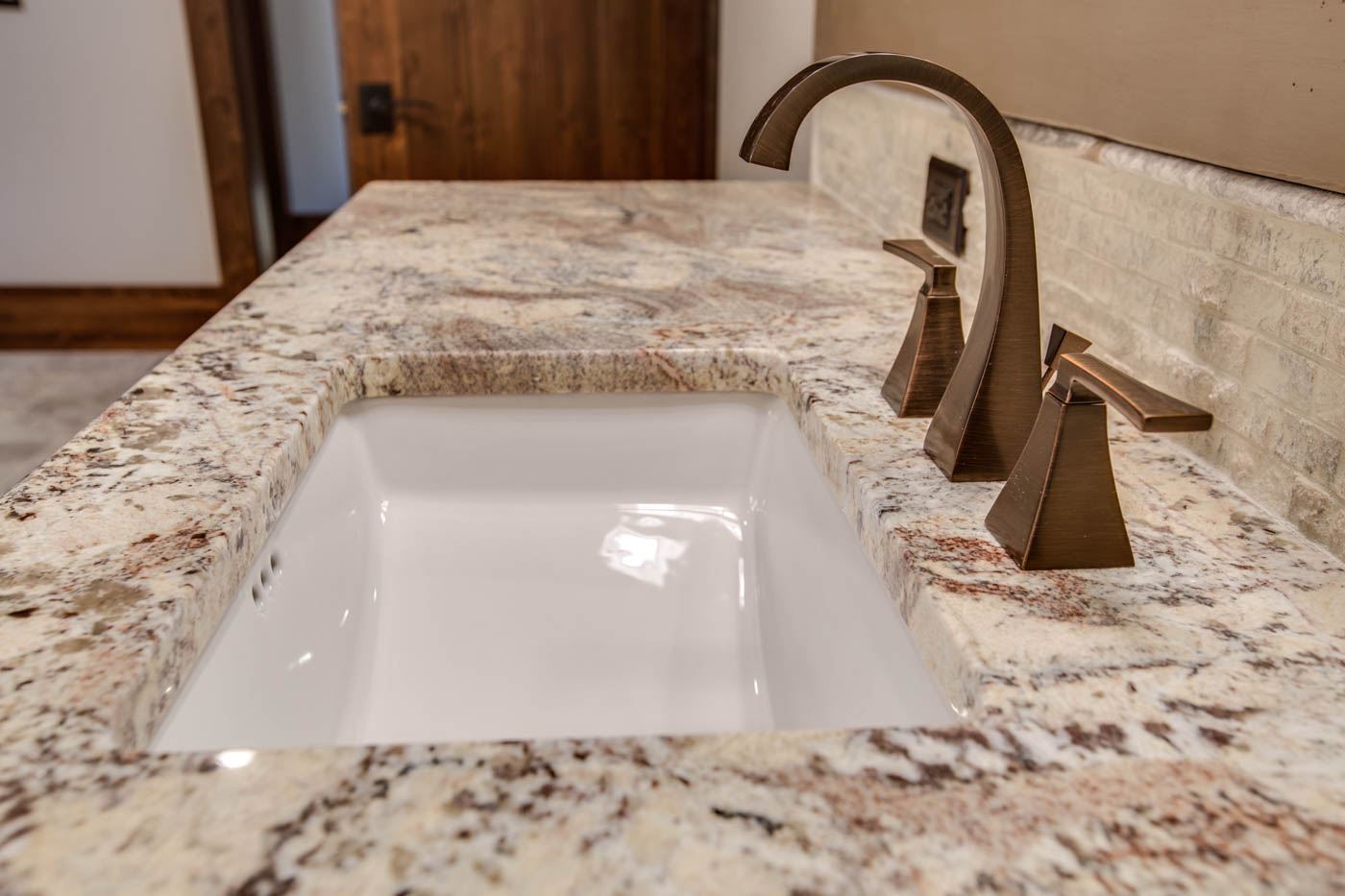 right-wing_master-suite-bath-sink_18010-s-ramsby-rd_035_webres