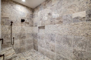 right-wing_master-suite-bath_18010-s-ramsby-rd_024_webres