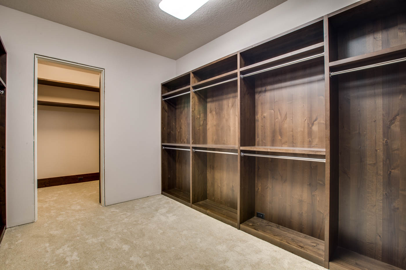 right-wing_master-suite_closet-2_18010-s-ramsby-rd_030_webres