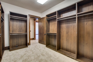 right-wing_master-suite_closet-2_18010-s-ramsby-rd_031_webres